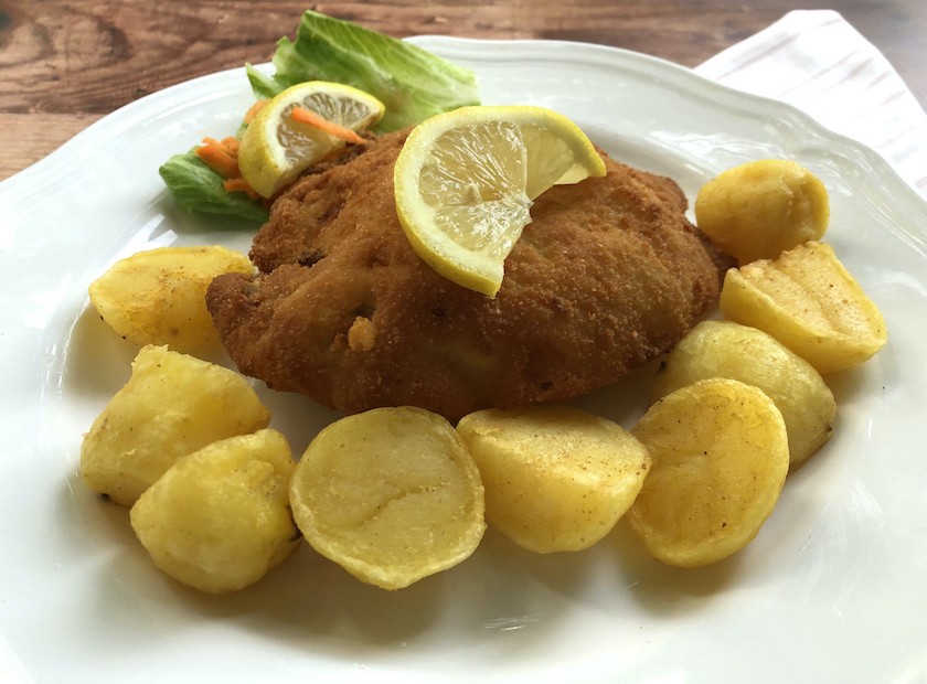 A great cutlet with baked potatoes