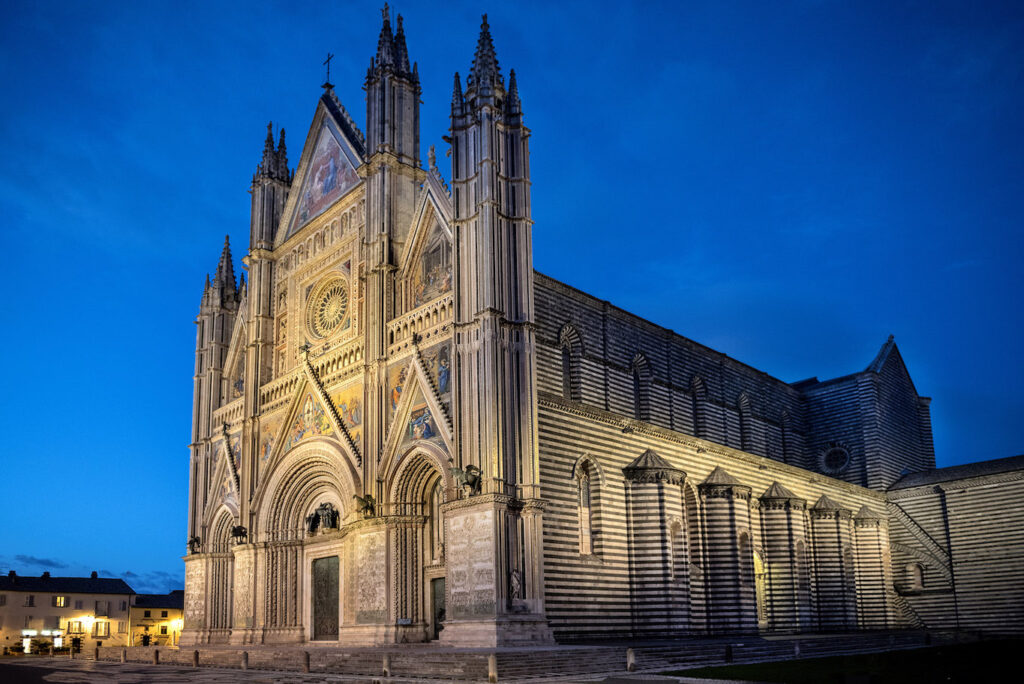 The Duomo cathedral of Orvieto in the evening.